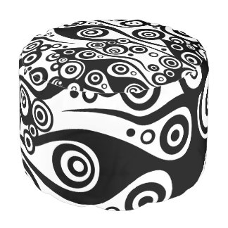 Tattoo flames & circles black + your backgr. color pouf