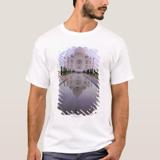 the Taj Mahal perfectly reflected in the pool in T-Shirt