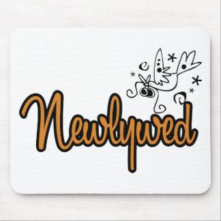 ToonDoveNewlywedOrange Mouse Pad