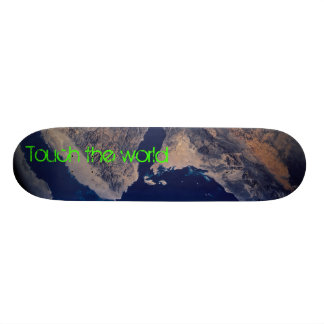 Touch the world 19.7 cm skateboard deck