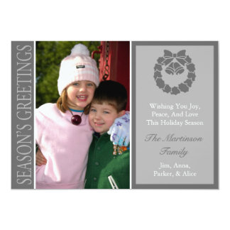 Traditional Season's Greetings Wreath Card (Gray)