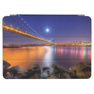 Twilight, George Washington BridgePalisades, NJ. iPad Air Cover