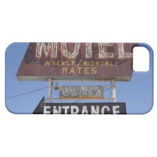 USA, Arizona, Winslow, Old-fashioned motel sign iPhone 5 Cover