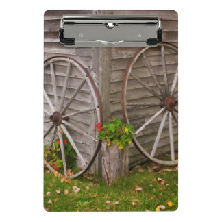 USA, Main. Wagon Wheels Mini Clipboard