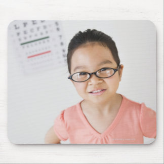 USA, New Jersey, Jersey City, Girl (6-7) at eye Mouse Pad