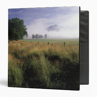 USA, Tennessee, Great Smokey Mountains Vinyl Binder