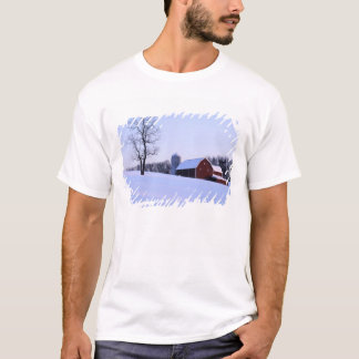 USA, Virginia, Shenandoah Valley, Barn T-Shirt