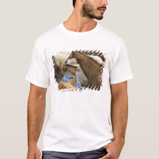 USA, Washington, Malaga, Cowboy foreman on T-Shirt