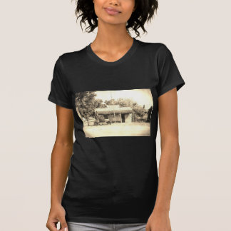 Vintage General Store with Antique Auto T-Shirt
