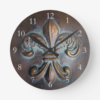 Vintage-Look Fleur De Lis Wall Clock