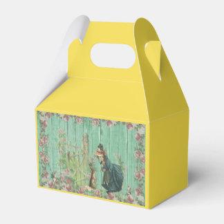 Vintage Painted Rustic Easter Rabbit Scene Favour Box