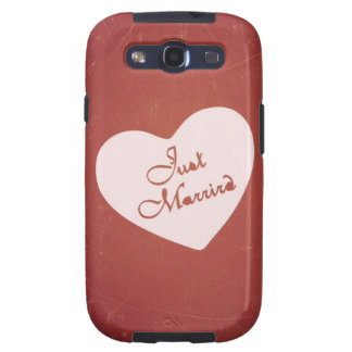 Vintage Retro Style Just Married On Antique Red Galaxy SIII Covers