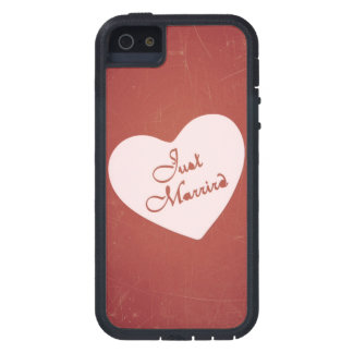 Vintage Retro Style Just Married On Antique Red Cover For iPhone 5