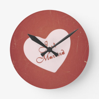 Vintage Retro Style Just Married On Antique Red Wall Clock