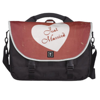 Vintage Retro Style Just Married On Antique Red Laptop Bag