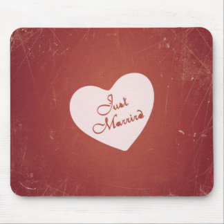 Vintage Retro Style Just Married On Antique Red Mousepad