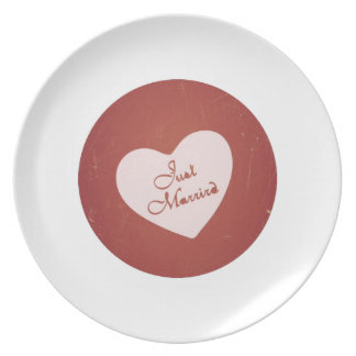 Vintage Retro Style Just Married On Antique Red Party Plate