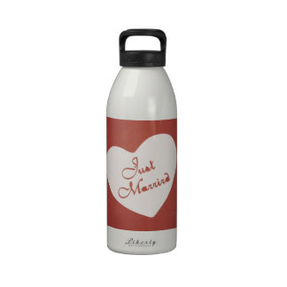 Vintage Retro Style Just Married On Antique Red Drinking Bottle