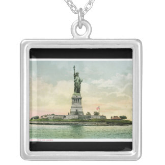 "Vintage ""Statue of Liberty"" Silver Plated Necklace"