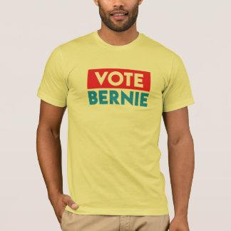 VOTE BERNIE! T-Shirt