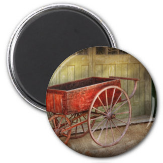 Wagon - That old red wagon 6 Cm Round Magnet
