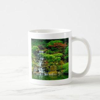 Waterfall cup basic white mug