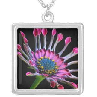 Weird Daisy Flower Necklace