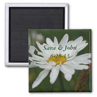 White Daisy Flower Wedding Favor Magnet