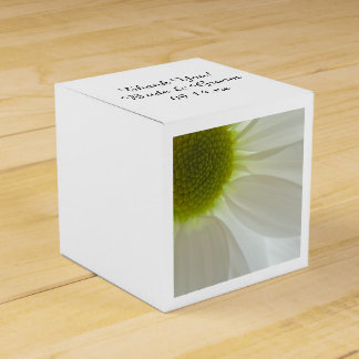 White Daisy Petals Wedding Favor Box Favour Boxes