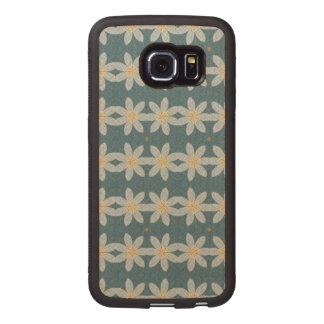White flower pattern wood phone case