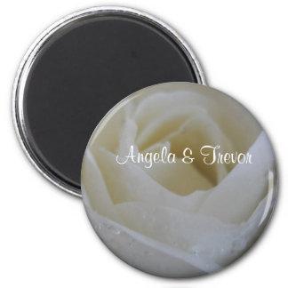 White Rose Wedding 6 Cm Round Magnet