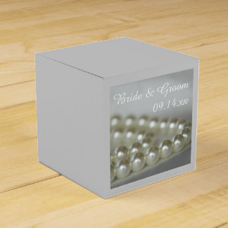 White Wedding Pearls Favour Box