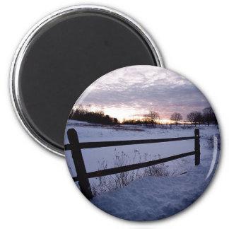 Winter Fence 6 Cm Round Magnet