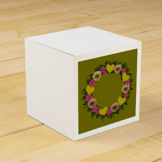 "Wreath ""Green Heart"" Pink Flowers Favor Box Favour Boxes"
