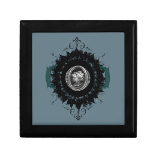 """Wreath """"My Cameo"""" Flowers Floral Jewelry Box"""