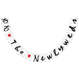 """XOXO """"LOVE"""" THE NEWLYWEDS Wedding Sign Decor Bunting"""