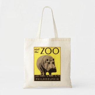 Z00 - Hippo