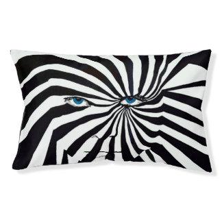 Zebraface cat/dog bed